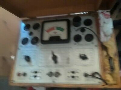 VINTAGE SUPERIOR INSTRUMENTS CO. TUBE TESTER MODEL 450-a Untested w/extra tubes