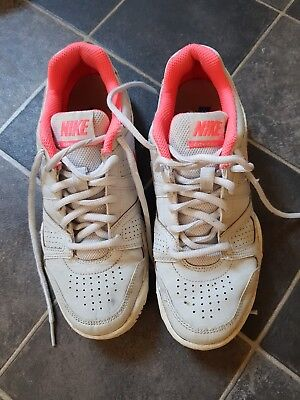 Nike White City Court Trainers Size UK 4..UTS..