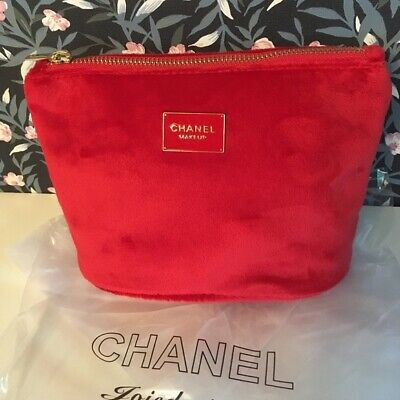 fa230a0f3c41 CHANEL Red Velvet Makeup Bag with Gold zipper Cosmetic Pouch VIP Gift new  2019