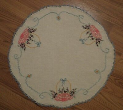 """Vintage Hand Embroidered Linen Table Round 20"""" Diameter Scalloped Border"""