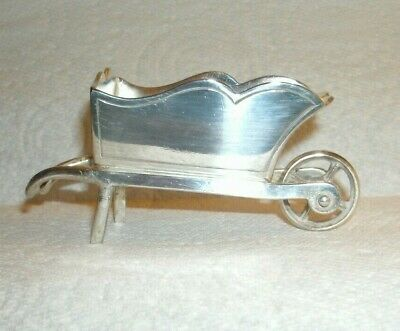 White Metal Novelty Wheelbarrow/9 x 4 cm