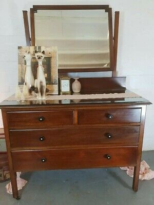 Beautiful Solid Mahogany Dressing table with brass castors