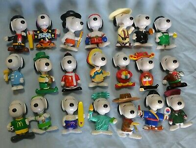 21 x McDonalds Snoopy Toy Collectible .... Rare !