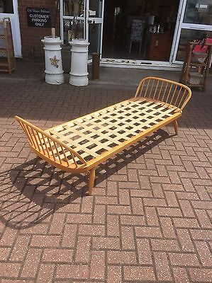 1970s Ercol Daybed Blonde,studio Couch,restrung,no Back,Furniture Showroom Kent,