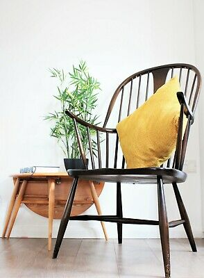 Vintage retro Ercol windsor Chairmakers fireside armchair model 911