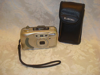 BELL HOWELL PZ2200 35mm FILM  POINT AND SHOOT CAMERA 35-70mm LENS/ LEATHER CASE