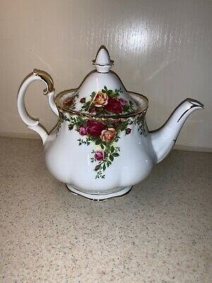 Royal Albert Old Country Roses Teapot Large Excellent