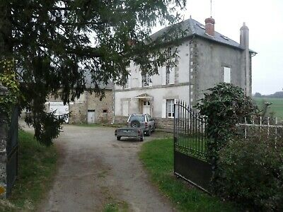 Country Estate - House, gite, barns, pool and income
