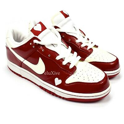 264a5cb38f NWT Nike Dunk Low Valentines Day 2004 Varsity Red White Heart Sneakers  AUTHENTIC