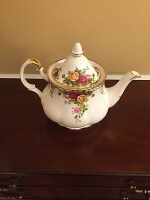 Royal Albert Old Country Roses Bone China Large 6 Cup Teapot Made in England1962