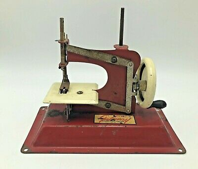 Vintage Gateway Engineering Co. Sewing Machine Miniature Replica Junior Model