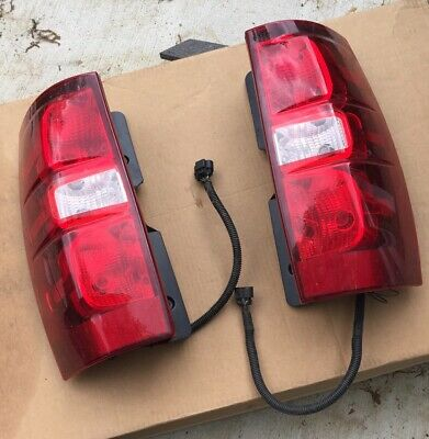 chevy Tahoe 2018 Tail lights