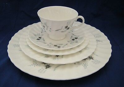 ROYAL DOULTON 5 PC Place Setting MILLEFLEUR dinner salad B & B Cup Saucer