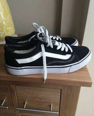 VAN Old Skool Skate Shoes Black/White Trainers Size 9 Good Condition