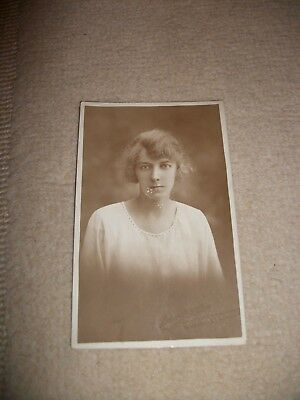 VINTAGE UNKNOWN WOMAN POSTCARD RP EDWARDIAN 1920s COLLECTABLE LADY ANTIQUE