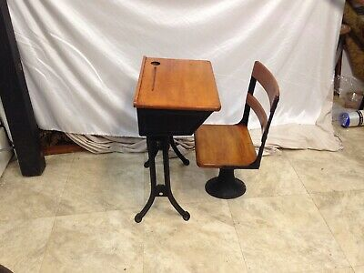 VINTAGE Children's 1920's Wood & Iron Old Fashioned School Desk And Chair , NICE