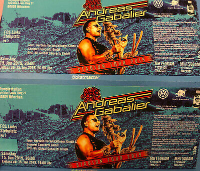 2x Andreas Gabalier 15.06.2019 München Front of Stage Links