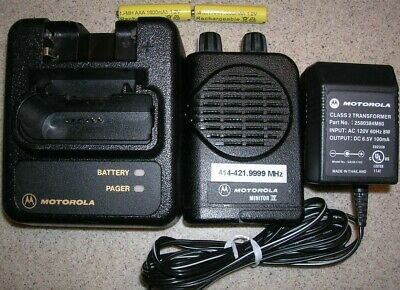 Motorola Minitor IV 2-Channel UHF 414 - 421.999 MHz  Non Stored Voice