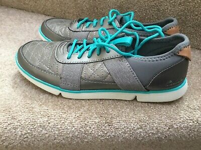 Clarks Trigenic Girls grey, silver & green casual lace up trainers UK 2 F new