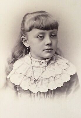 1880's Pretty Young SCHOOL Girl With SAD EYES CABINET CARD PHOTO Philadelphia Pa