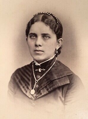 1880's Elegant Young Lady School Girl CABINET CARD PHOTO from Philadelphia Pa