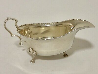 Good Quality Antique Solid Sterling Silver Sauce Boat Selfridges Birmingham 1919