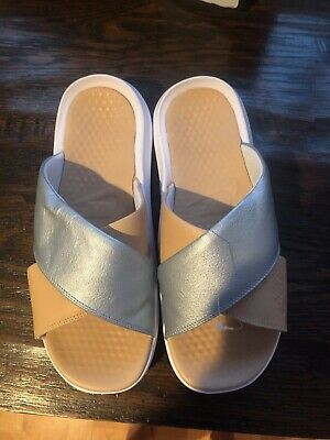 detailed pictures e6b2c 6160d Women's Nike Benassi Future Cross SE Premium Sandals -Size 11 -AO2641 001  New