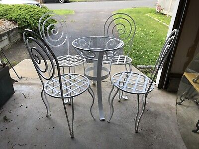 Vintage Mid Century Spiral Pattern Wrought Iron Outdoor Patio Chairs Table Set
