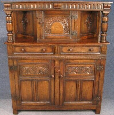 Titchmarsh And Goodwin Jacobean Style Solid Oak Court Cupboard