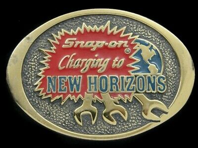 SB09112 VINTAGE 1970s **SNAP-ON CHARGING TO NEW HORIZONS** SOLID BRASS BUCKLE