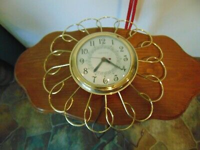 Vintage United Clock Corp. Electric Wall Clock Metal Gold tone model 66