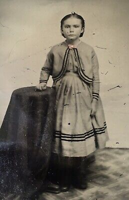 ANTIQUE AMERICAN Young School Girl Tinted Pink Brooch TINTYPE PHOTO