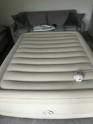 Aerobed  King Airbed with electric locking pump