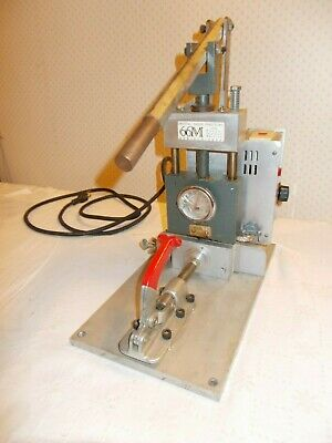 Crystal Alloy Manual Injection Molder Benchtop Plastic 2/3 oz. Injector