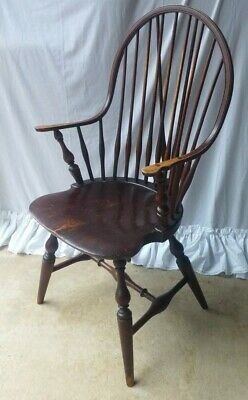 Wallace Nutting brace back Windsor Arm Chair 401 Paper Label  Vintage