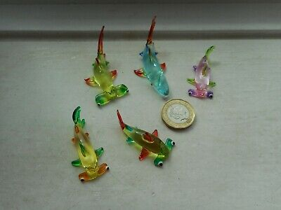 SHARKS 5 x BEAUTIFUL GLASS MINIATURES, NORMAL & HAMMERHEADS MULTI COLOURS- SET 1
