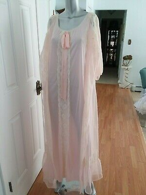 Vintage Pretty Pink Peignoir Lingerie Set Night Gown & Robe