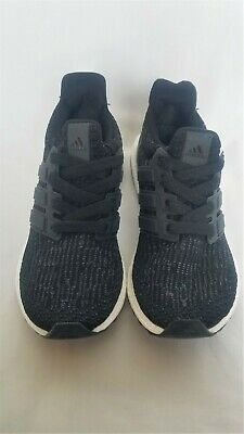 Woman's running Adidas Ultraboost 4.0 Black & White. Condition is New, size US 6