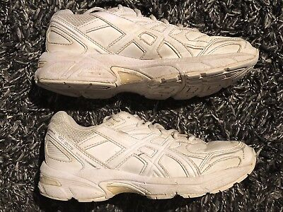 Asics Kids White Shoes Runners US Size 3 Euro 35. Good Condition