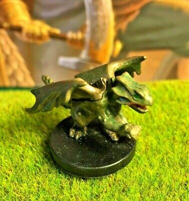 RED DRAGON WYRMLING D&D Miniature Dungeons Dragons