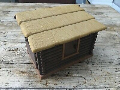Playmobil log cabin opening windows & doors, removeable roof