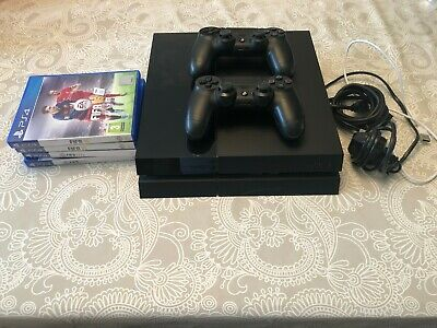 Sony PlayStation 4 500GB Console, FIFA games & case.  Fully working.