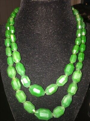 Vintage Art Deco Emerald Green Double Strand Bakelite? Beads Necklace Faceted