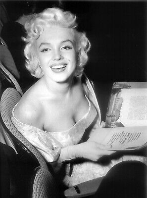 Marilyn Monroe 8X10 Glossy Photo Picture Image #23