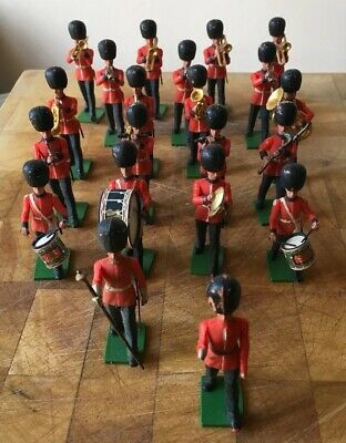 Britains Eyes Right Guards Marching Band. Toy Soldiers.