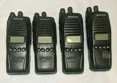 KENWOOD TK-5220 TK5220 VHF P25 Digital 136-174 Mhz With Accessories