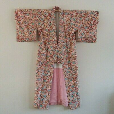 Vintage Kimono from Japan featuring a Floral Design, very good condition