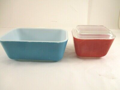 2 Vintage Pyrex Primary Colors Refrigerator Pans One With Lid