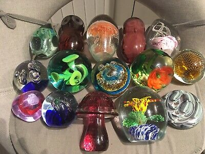 15 Vintage paperweights Caithness, Avondale, Jellyfish, Mushroom, Owls. Frog