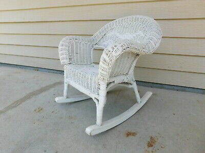 VTG Antique Wicker Child Rocking Chair Hand Woven Detail White Rocker VERY GOOD